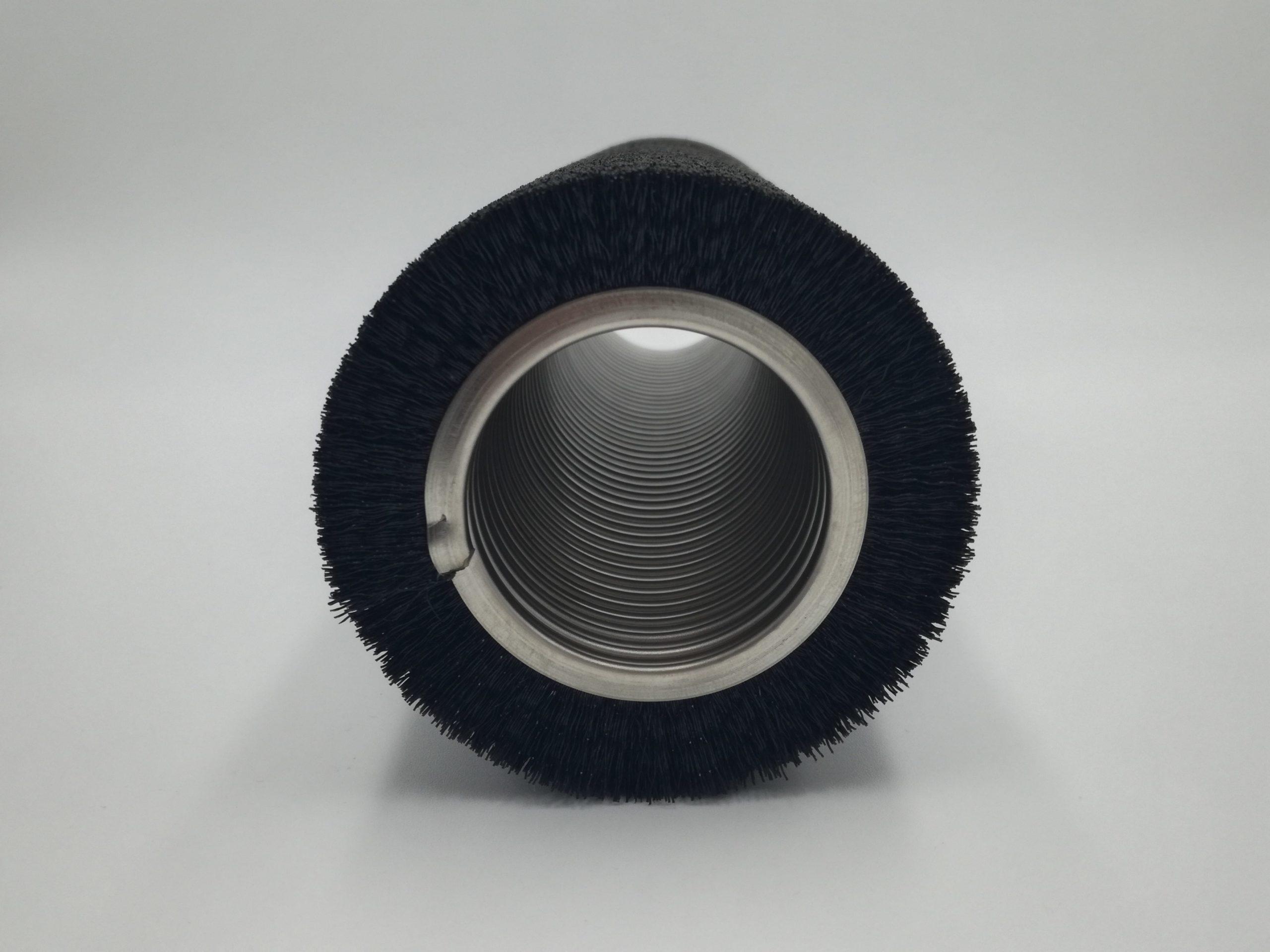 cepillo helicoidal metálico fibra sintética hacia el exterior